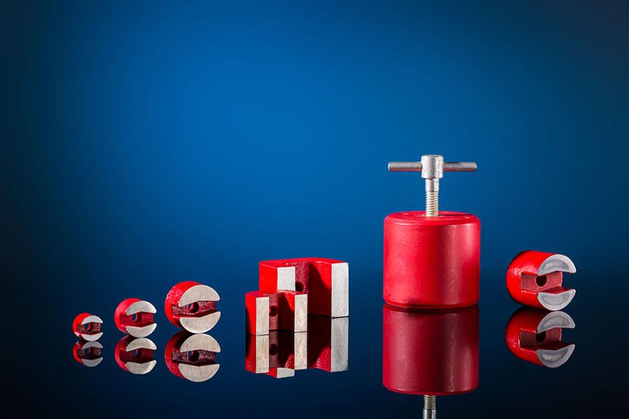 AlNiCo-Formmagnete und ein Haftmagnet