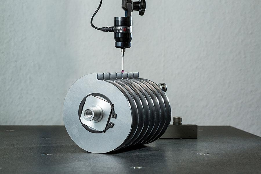 Geometrische Überprüfung einer Magnetwalze