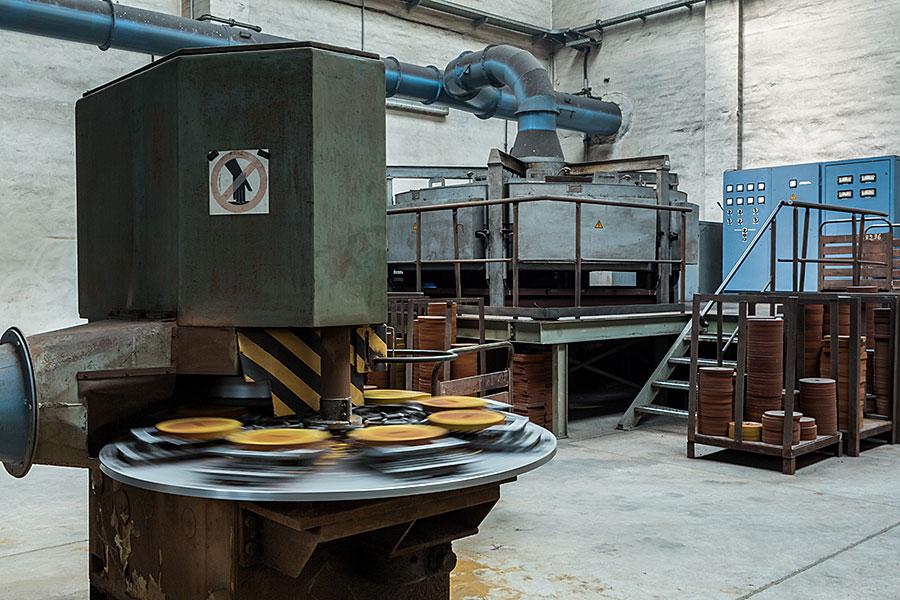 Gussmasken Schleifmaschine