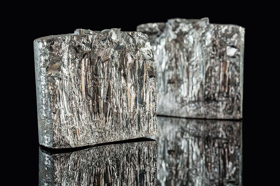 gestengeltes AlNiCo (axiale Kristallstruktur)